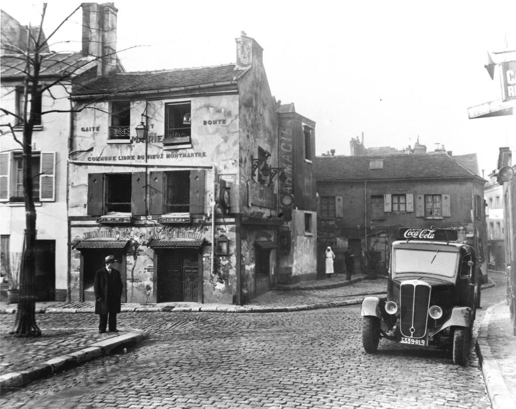 Грузовик доставки Coca-Cola в районе Монмартр в Париже (1930).© Компания Coca-Cola